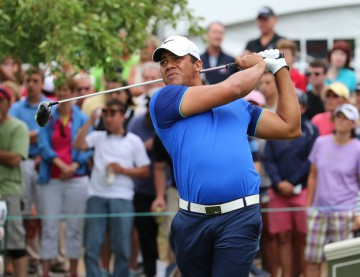 27-6-2015 PGA Tour 2015, Travelers Championship, TPC River Highlands, Cromwell, CT, USA. 25-28 June. Jhonattan  Vegas of Venezuela hits from the 1st tee during the third round.