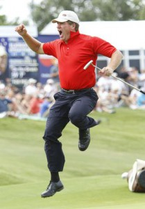 24-05-2010 PGA Tour 2010, HP Byron Nelson Championship, TPC Four Seasons Resort Las Colinas, Irving, Texas, USA. 20 - 23 May. Steve Elkington of Australia jumps in celebration after sinking a long putt for par on the 18th green during the final round.