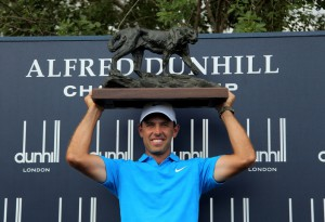28-11-15 . European Tour 2016, Alfred Dunhill Championship, Leopard Creek CC, Malelane, South Africa. 26 - 29 Nov 2015. Charl  Schwartzel of South Africa, the winner with trophy after the final round.