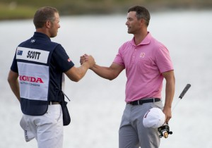 28-02-16 PGA Tour 2016, The Honda Classic, PGA National (Champion), Palm Beach Gardens, FL, USA. 25 - 28 Feb. Adam Scott of Australia shakes hands with his caddie David Clark after winning the final round.