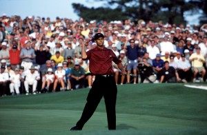 08-04-2001 European Tour 2001, The Masters Tournament, Augusta National, Augusta, Georgia, USA. 05-08 Apr. Tiger Woods celebrates after sinking the final putt on 18 to win the Masters Tournament .
