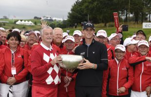 28/08/2016 European Tour 2016, Made in Denmark, Himmerland Golf & Spa Resort, Farso, Denmark. 25 - 28 Aug. Thomas  Pieters of Belgium with the trophee and Mr Lars Larsen , owner of Himmerland Golf and the marshalls